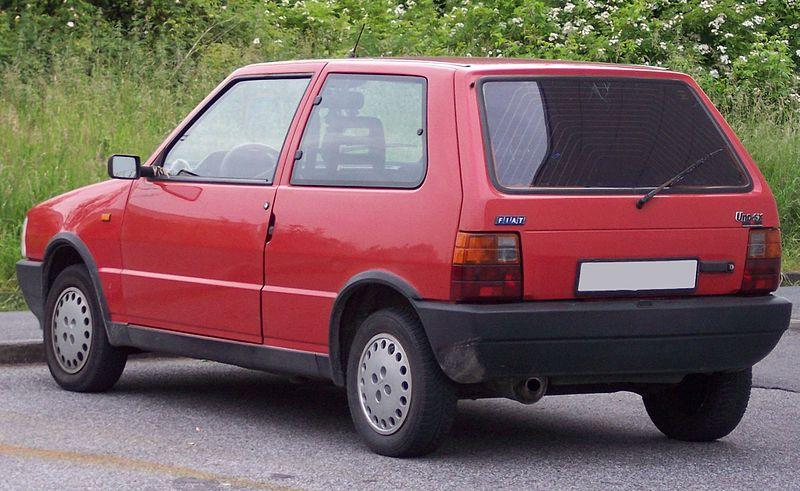 Archivo:Fiat Uno SX red hl.jpg